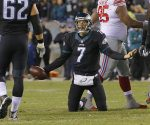 Philadelphia Eagles quarterback Sam Bradford looks to lineman Jason Kelce, left, after being sacked with just six seconds left in the first half on Monday, Oct. 19, 2015, at Lincoln Financial Field in Philadelphia. (Michael Bryant/Philadelphia Inquirer/TNS)